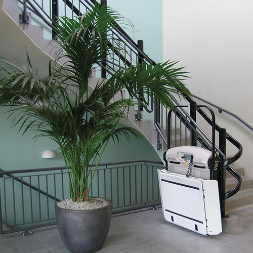 Commercial and Residential Curved Inclined Wheelchair Stair Lift