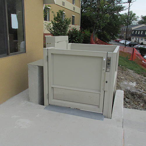 Commercial Indoor and Outdoor Vertical Platform Wheelchair Lift