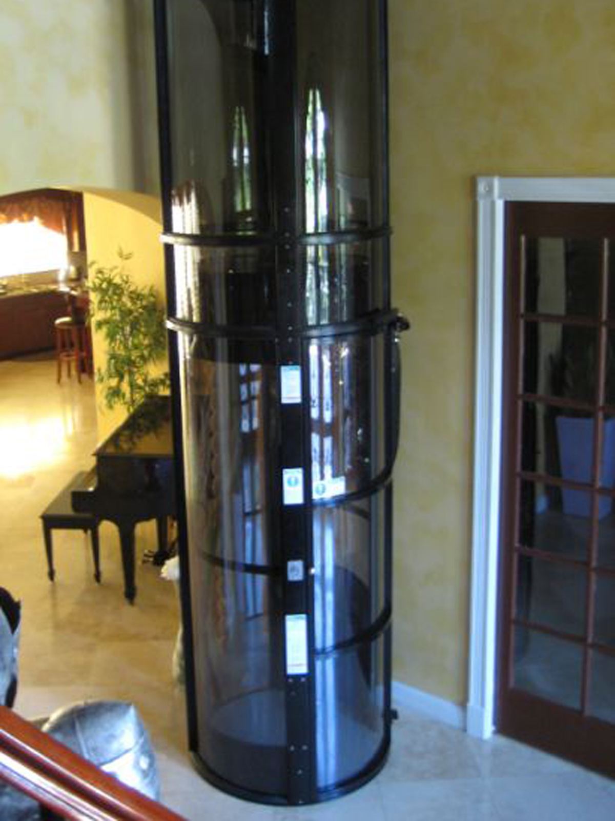 Vacuum Elevators